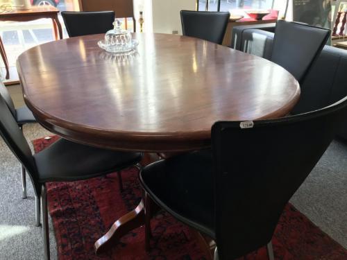 Spisebord med ilagt plade525.-kr6 stole 750.-kr