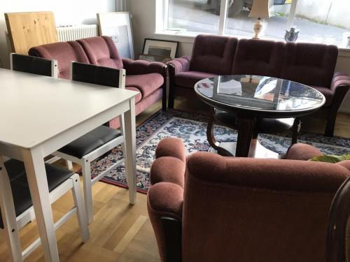 Sofagruppe i velour1200.-kr