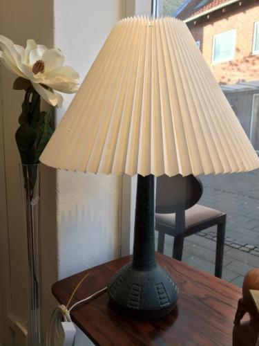 Keramiklampe i dansk design