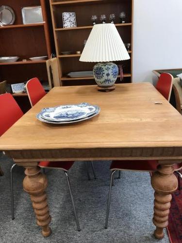 Spisebord i eg